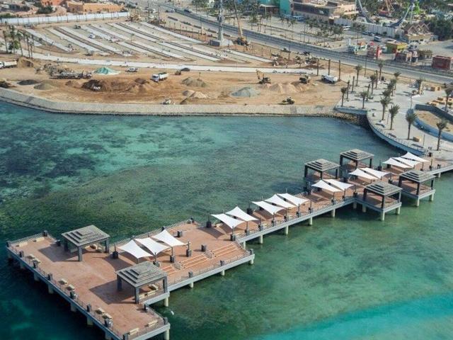 Walkway of Jeddah Corniche